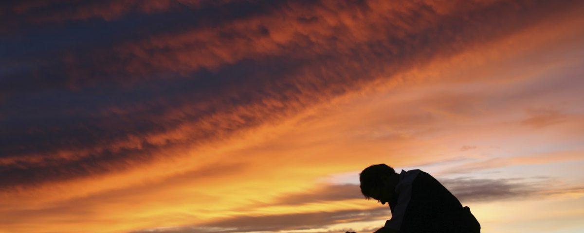adorar somente a Deus